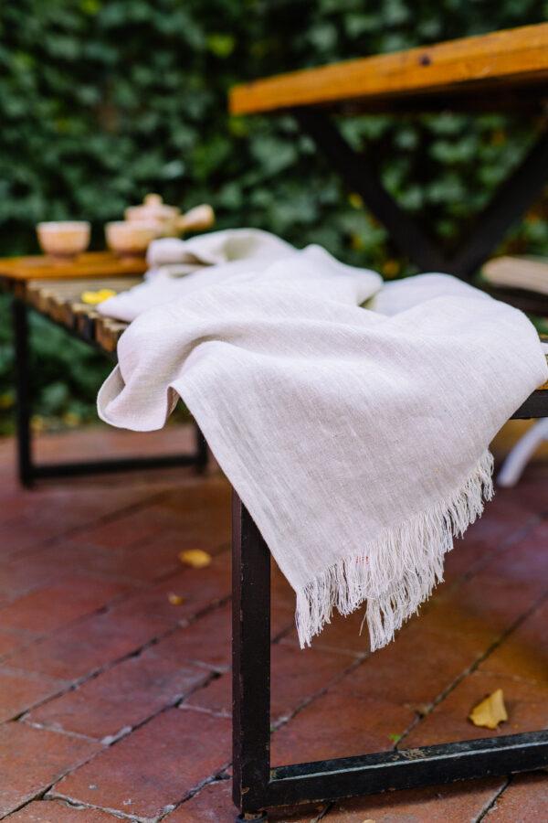 zoom linen blanket